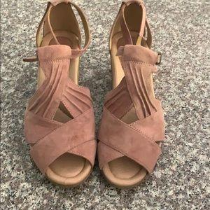 Earth Curvet Blush Suede Shoes